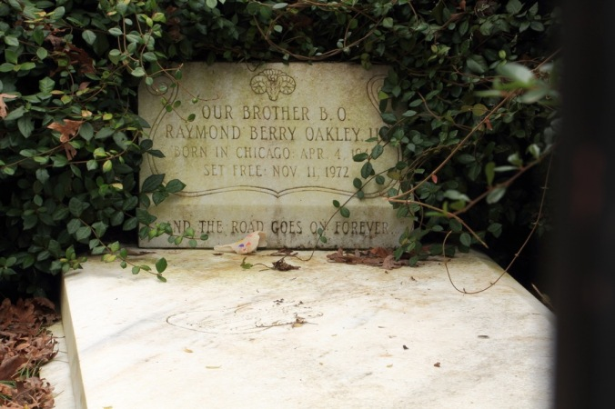 Berry Oakley Grave